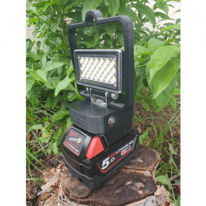 Milwaukee 18v led li-ion cordless work light with usb and handle
